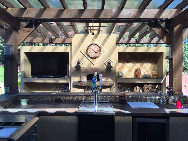 Why you should invest in an outdoor kitchen